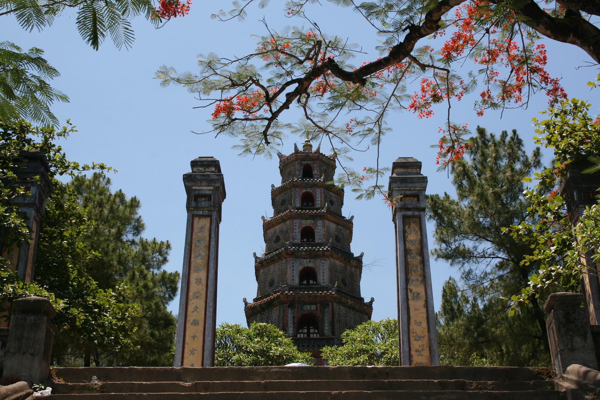 A Trip to the Perfume Pagoda